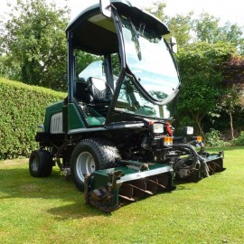 2006 Hayter LT324 Triple Cylinder Mower With Cab