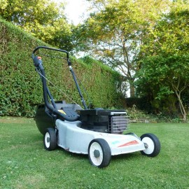 """1995 Victa AF055EU94 Pacer 2 Stroke 18"""" Hand-Propelled Rotary Mower"""