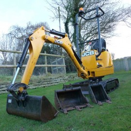 2011 JCB 8008CTS 1 tonne Mini Micro Digger With 3 Buckets