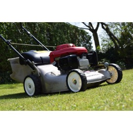 "2010 Honda Izzy HRG465C3 PDE 18"" Lawn Mower"