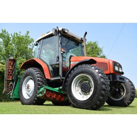 2001 Massey Ferguson 4235 Tractor With Ransomes 5/7 Gang Mower Unit