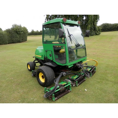 2005 John Deere 3235C Ride On Cylinder Mower