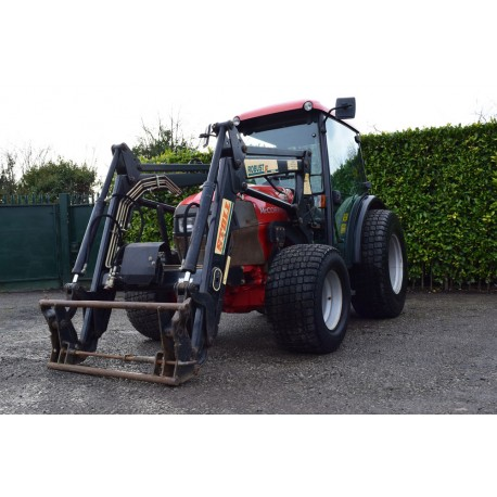 2005 McCormick F60 Compact Tractor With Stoll Loader