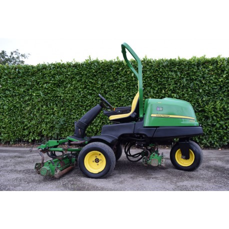 2007 John Deere 2500B Ride On Cylinder Greens Mower