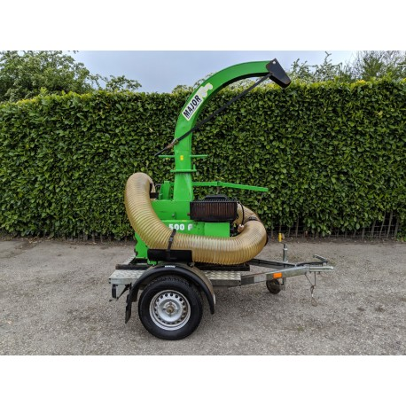 2008 Major VD500P Trailer Mounted Leaf Vacuum With Hose