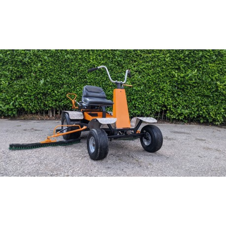 Sisis Robbi ride-on brushing system for synthetic grass